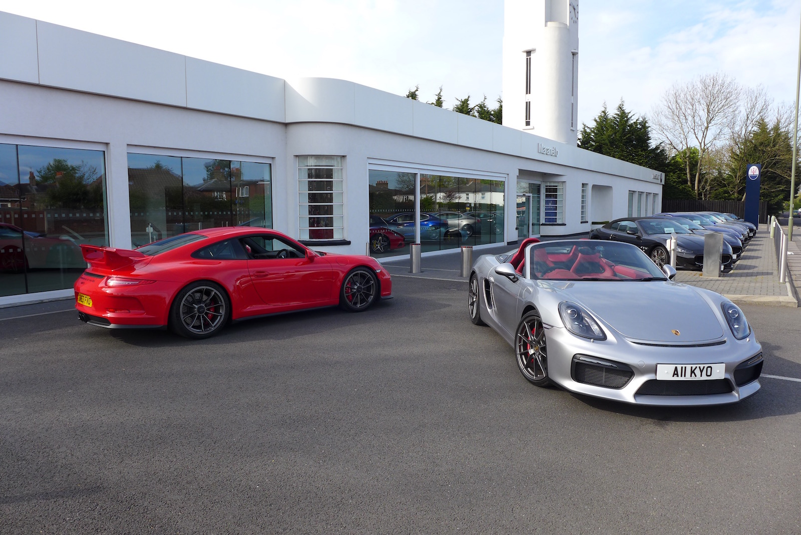 Meet up with a Porsche Boxster Spyder