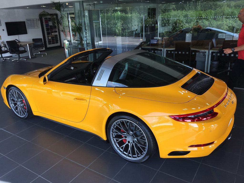 Juicy Stock At Silverstone Porsche Blowdog Com
